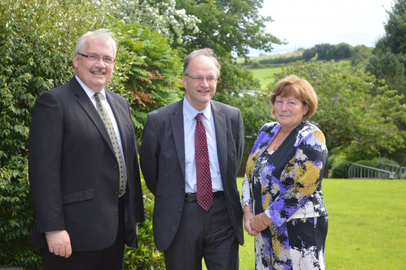 Education Minister, Peter Weir, visits the centre